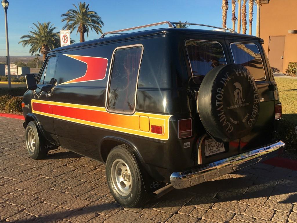 1977 Chevrolet G20 Van Hotrod Shag Survivor