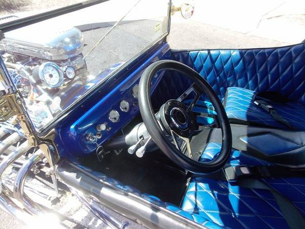 Awesome shining 1923 Ford Model T classic bucket hot rod