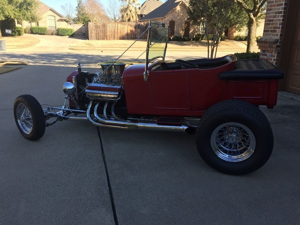 Hemi powered 1927 Ford Model T hot rod