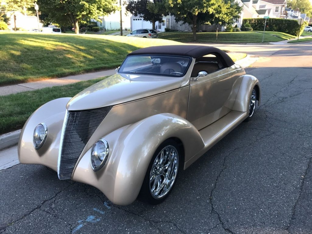 Cool running 1937 Ford hot rod