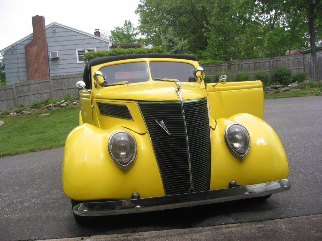 Fiberglass body 1937 Ford hot rod