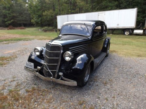 garaged 1935 Ford 2 Door Sedan Hot Rod for sale
