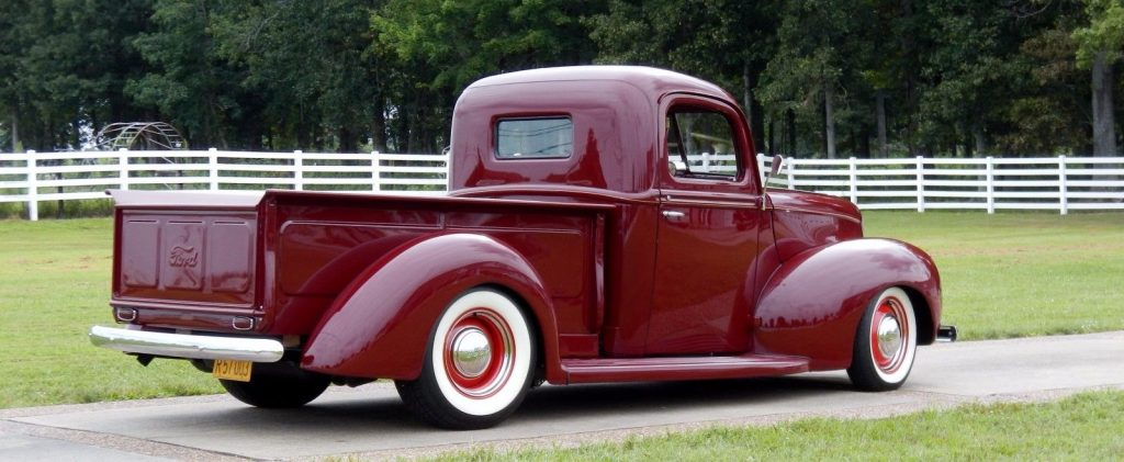 resto mod 1940 Ford hot rod