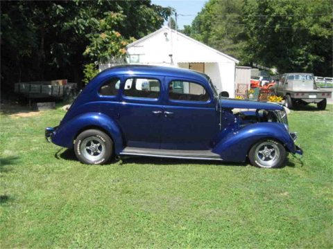 nice 1937 Ford 4 Door Sedan hot rod for sale