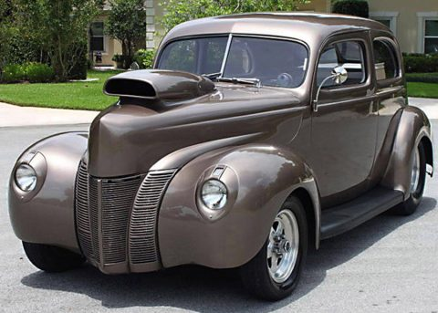 nicely customized 1940 Ford Tudor Sedan hot rod for sale