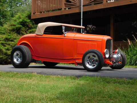 fiberglass body 1932 Ford Deuce Roadster Hot Rod for sale