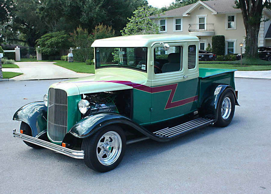 well maintained 1933 Ford FIVE Window Pickup hot rod
