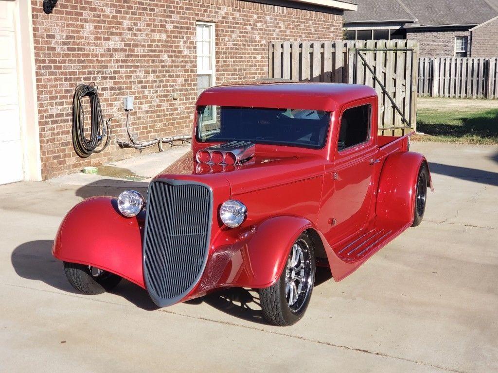 replica 1935 Ford pickup hot rod