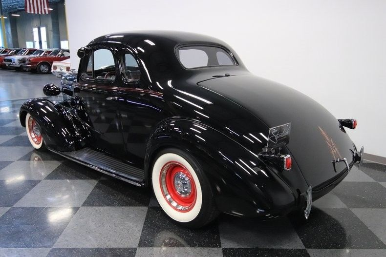 crate small block 1937 Chevrolet Master Deluxe hot rod