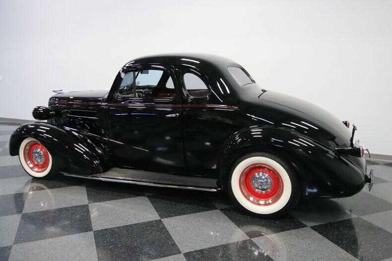 crate small block 1937 Chevrolet Deluxe hot rod