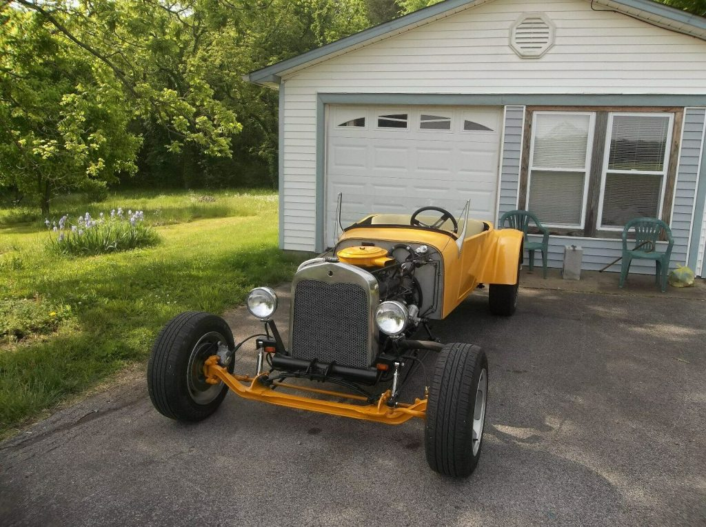 replica 1927 Ford Model T hot rod