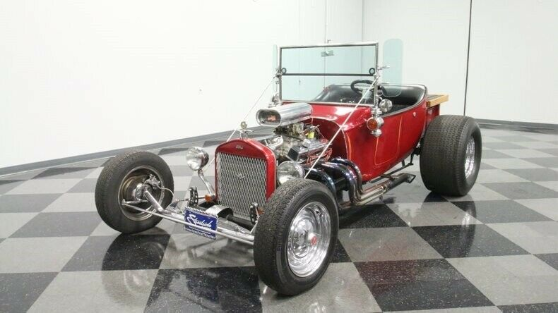classic vintage 1923 Ford T Bucket hot rod