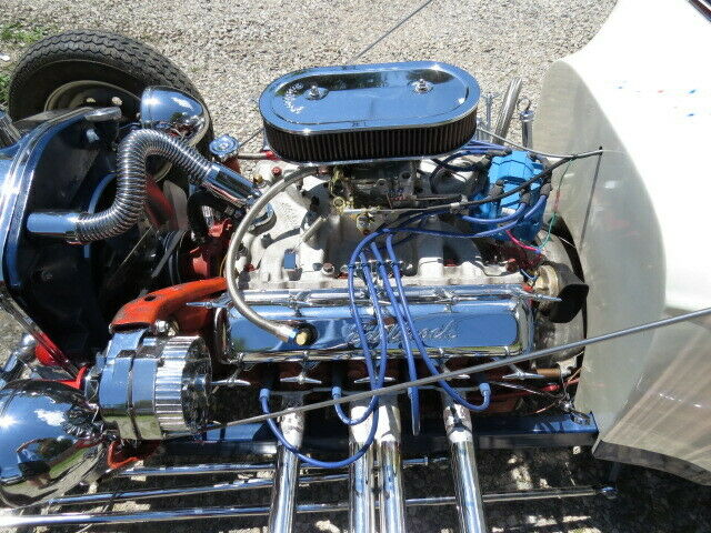 Olds powered 1923 Ford T Bucket hot rod