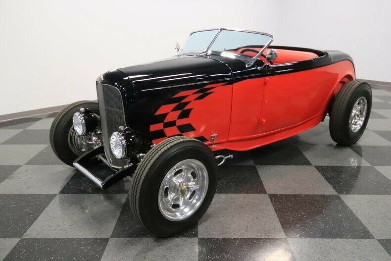 awesome 1932 Ford Roadster hot rod