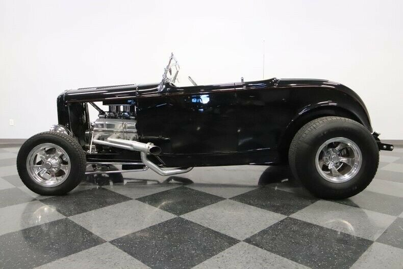 low miles 1932 Ford Roadster hot rod