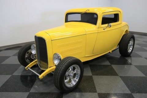 shiny 1932 Ford Coupe hot rod for sale