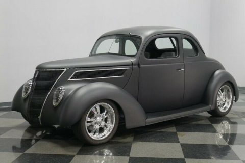 small block 1937 Ford 5 Window hot rod for sale