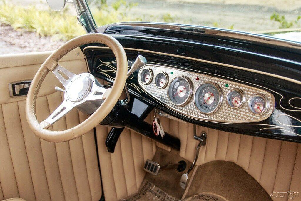 true show car 1932 Ford Highboy Roadster hot rod