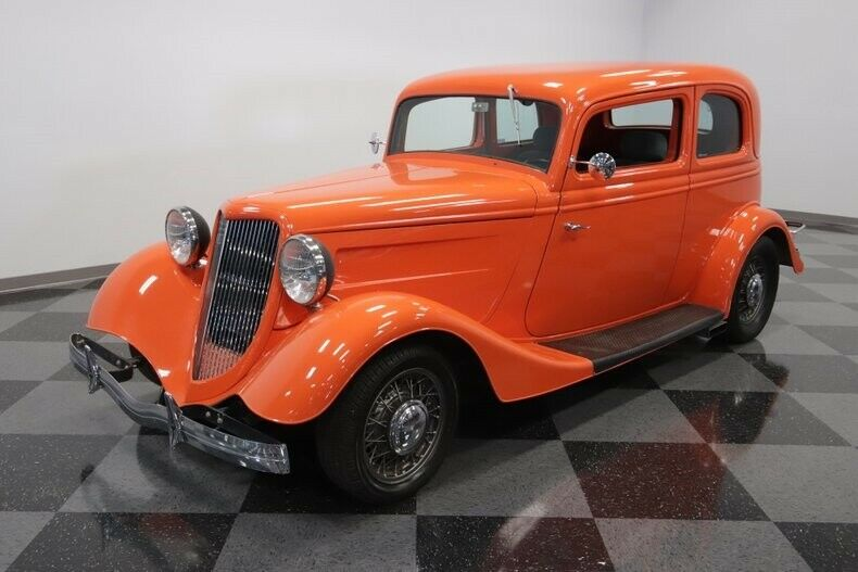 awesome 1933 Ford 5 Window Vicky hot rod