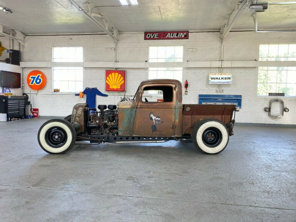 nice patina 1933 Dodge Truck hot rod