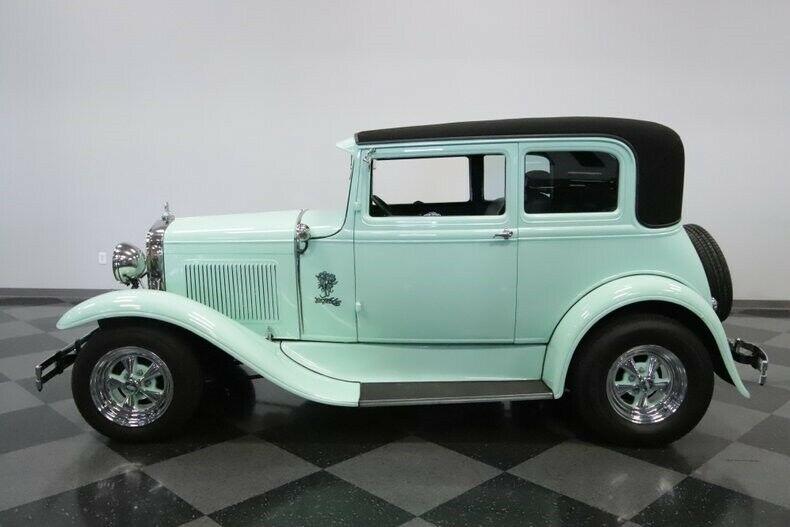 very nice 1931 Ford Model A Vicky hot rod